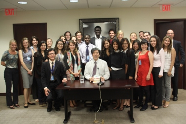 Group Photo of Ambassador KOdama and UN  Interns