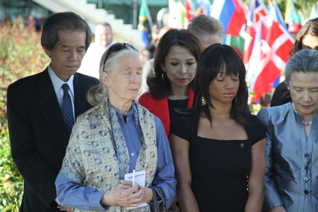 Ambassador Nishida and Madame Nishida with Dr. Jane Goodall and Monique Coleman at the moment of silence