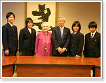Ambassador Takasu with the Yokohama Peace Messengers and Ms. Fuhrman.